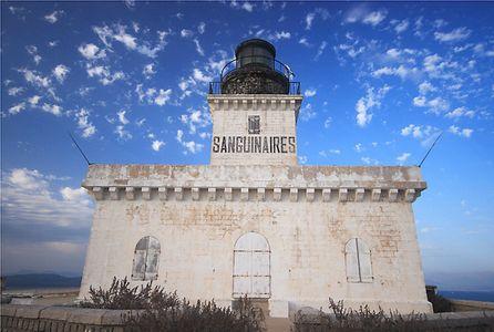 «J'habite le phare des Sanguinaires, là-bas, sur la côte corse…»