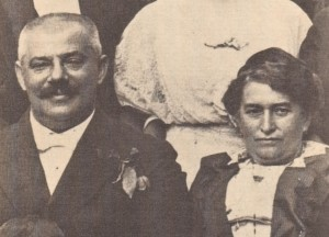 Kafkas_parents_c1913-300x216