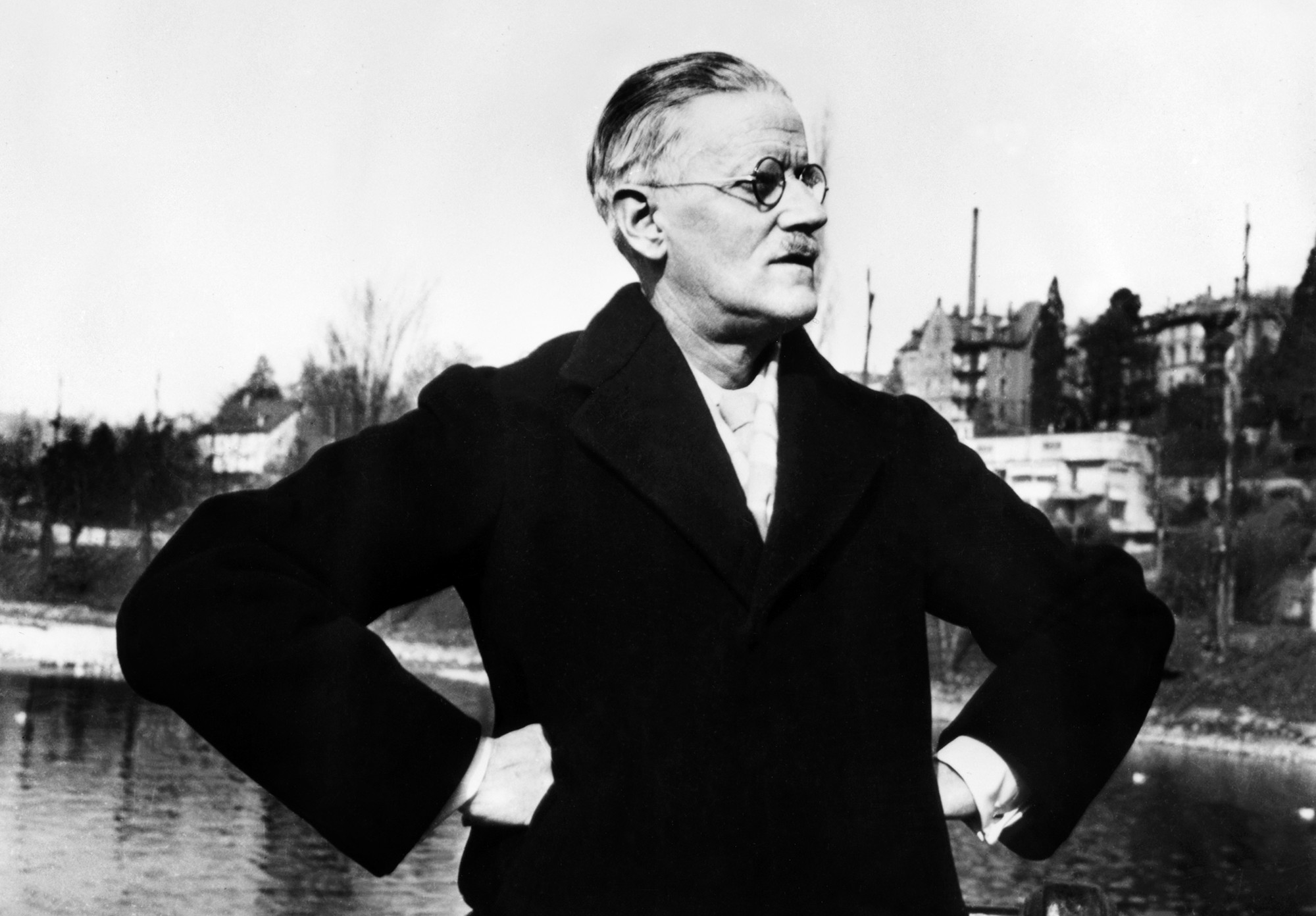 Oyez oyez ! Today, Bloomsday !