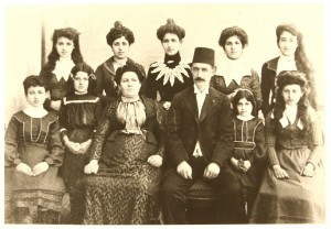 Famille d'Avraam et Joia Shaul Istanbul vers 1900