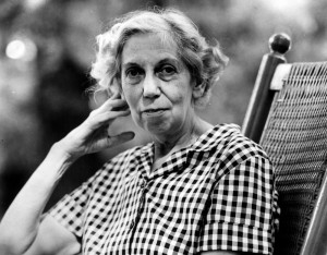Eudora Welty , author.  Nov. 15, 1970.   Eudora Welty, who has written many short stories in addition to her novels, has held professorships at Smith College, Bryn Mawr and Millsaps. Blue checkered house dress and flat canvas shoes are her typical attire.     HOUCHRON CAPTION (11/15/1970):  Eudora Welty . . .  in Jackson, Mississippi.     HOUCHRON CAPTION (05/04/1984):  Author Eudora Welty reflects on her career.     HOUCHRON CAPTION (07/24/2001):  Famed Mississippi writer Eudora Welty, shown in 1970, won both the Pulitzer Prize (for ``The Optimist's Daughter'') and the National Book Award (for ``Losing Battles'').     HOUCHRON CAPTION (07/27/2001)(07/29/2001):  Welty.     HOUCHRON CAPTION (08/05/2003): Eudora Welty, author of ``A Curtain of Green'' and ``The Robber Bridegroom,'' served as photographer for the Mississippi guide.