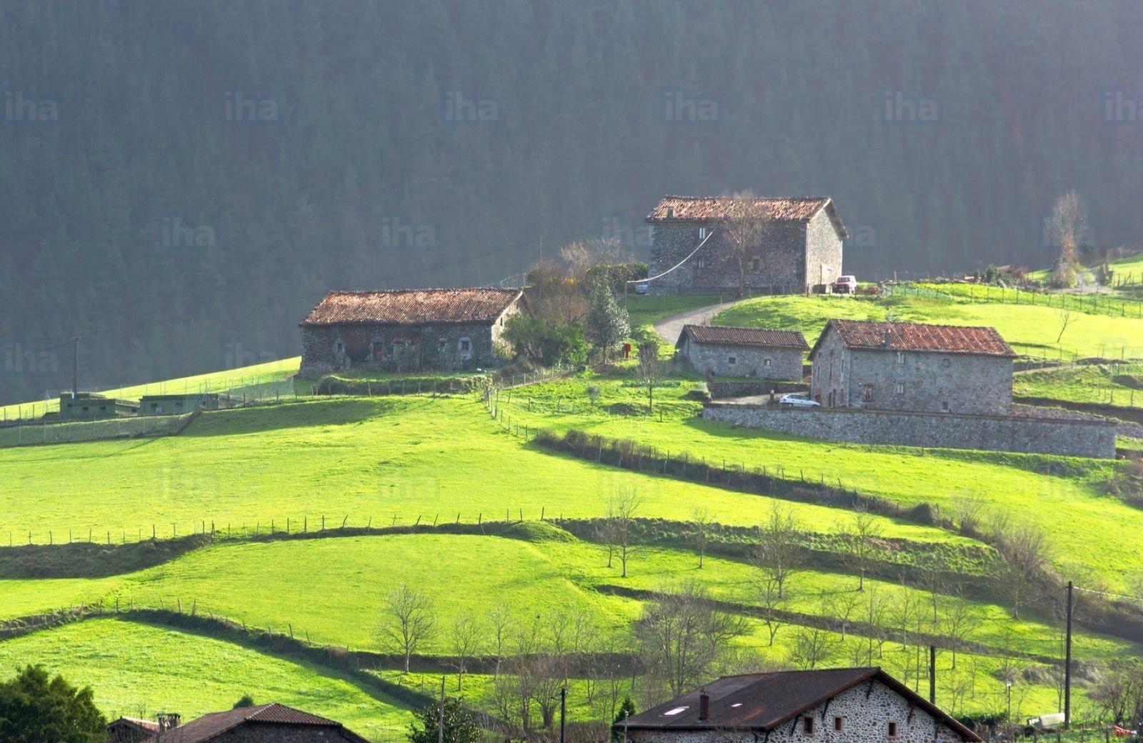 Pays-basque-espagne-Maisons-typiques-du-pays-basque