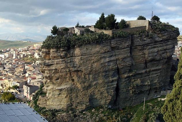 Chronique de la peur et du silence en Sicile
